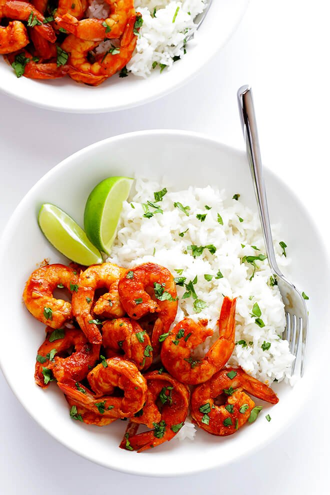 This Easy Peruvian Shrimp is super quick and simple to make, and full of the BEST flavors! | gimmesomeoven.com
