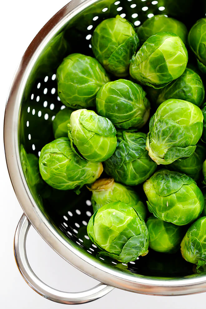 Raw brussels sprouts for Roasted Brussels Sprouts Recipe