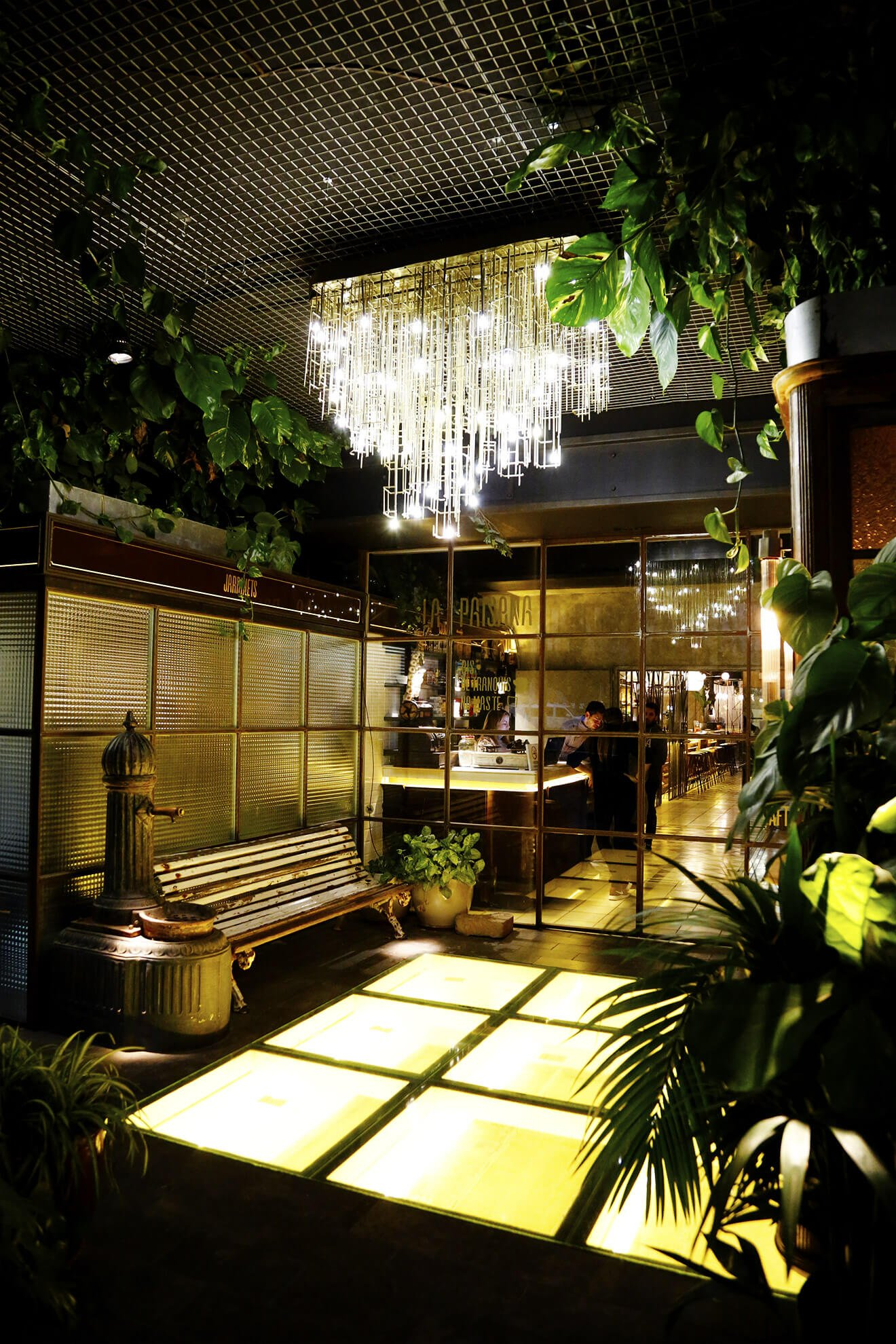 Gimme some barcelona travel guide - Casa gracia restaurante barcelona ...