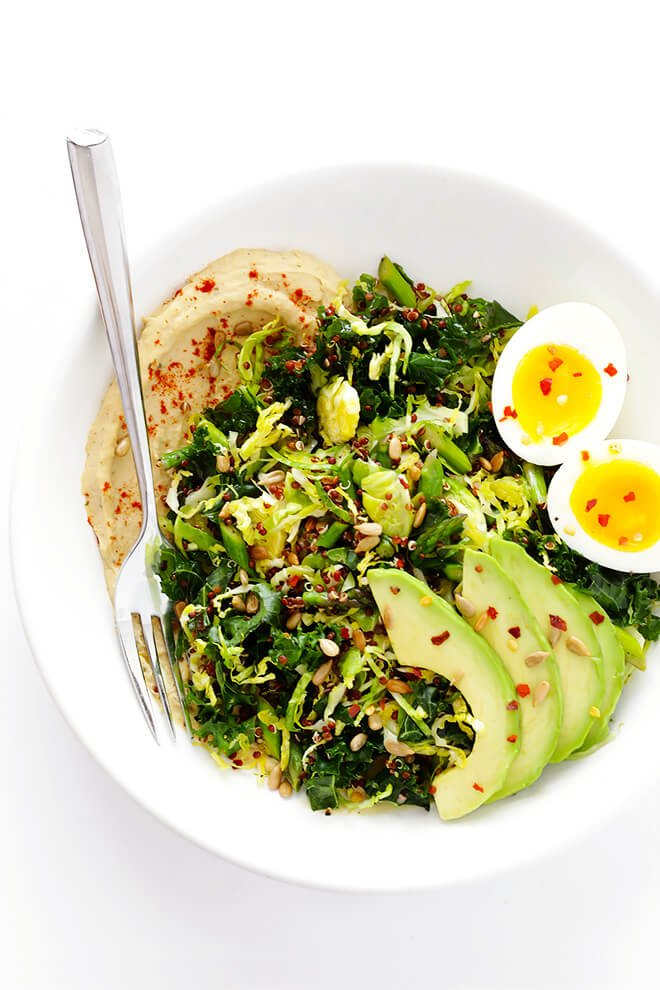 These delicious Hummus and Veggies Breakfast Bowls are made with feel-good, flavorful ingredients that combine to make the perfect meal for brunch!   gimmesomeoven.com