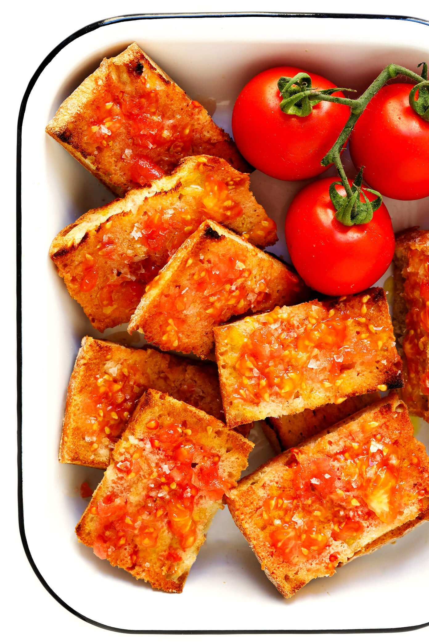 Catalan Tomato Bread (Pan Con Tomate | Pa Amb Tomàquet)