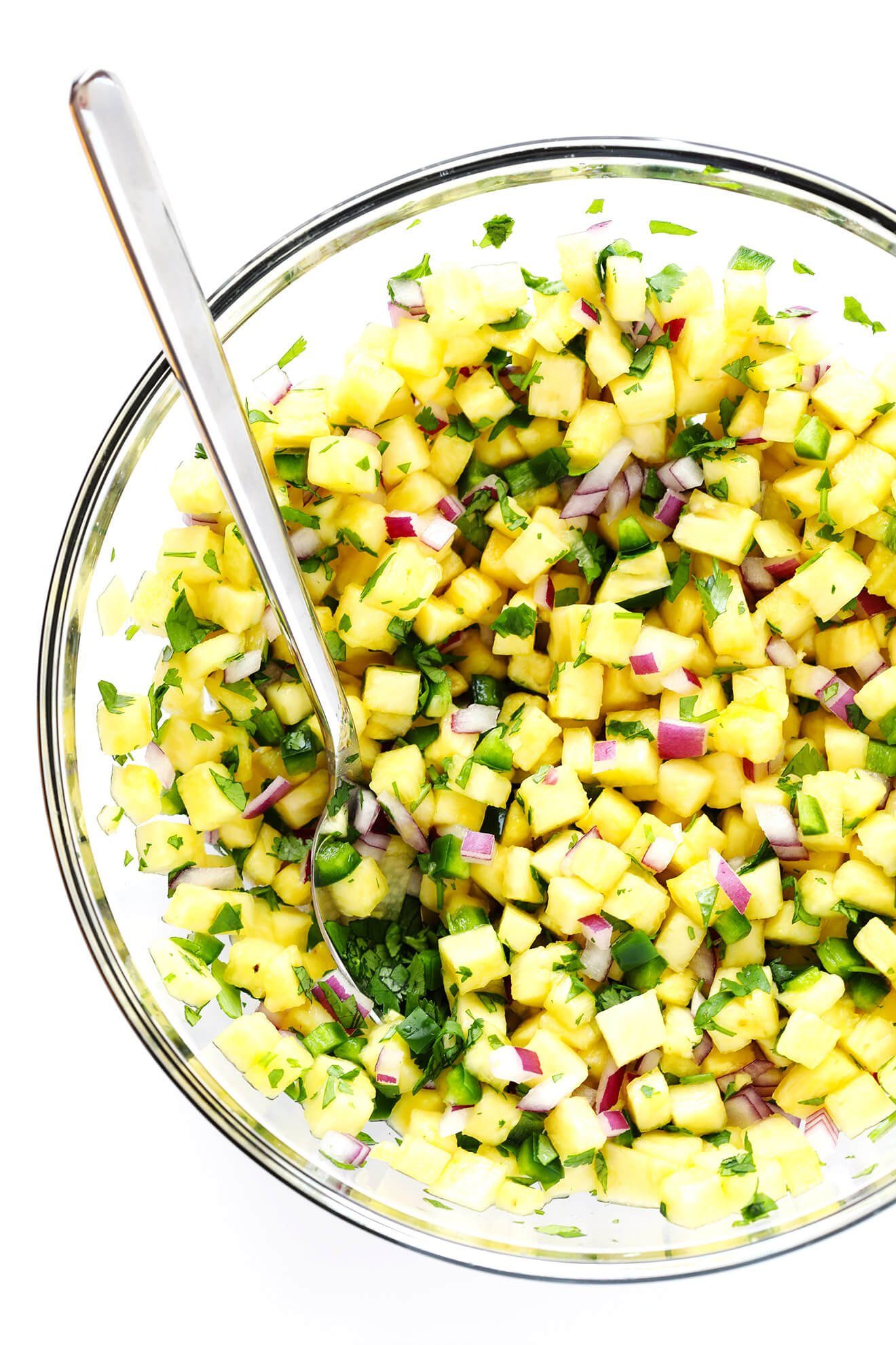 This simple Pineapple Salsa recipe is easy to make, and so sweet and delicious!   gimmesomeoven.com