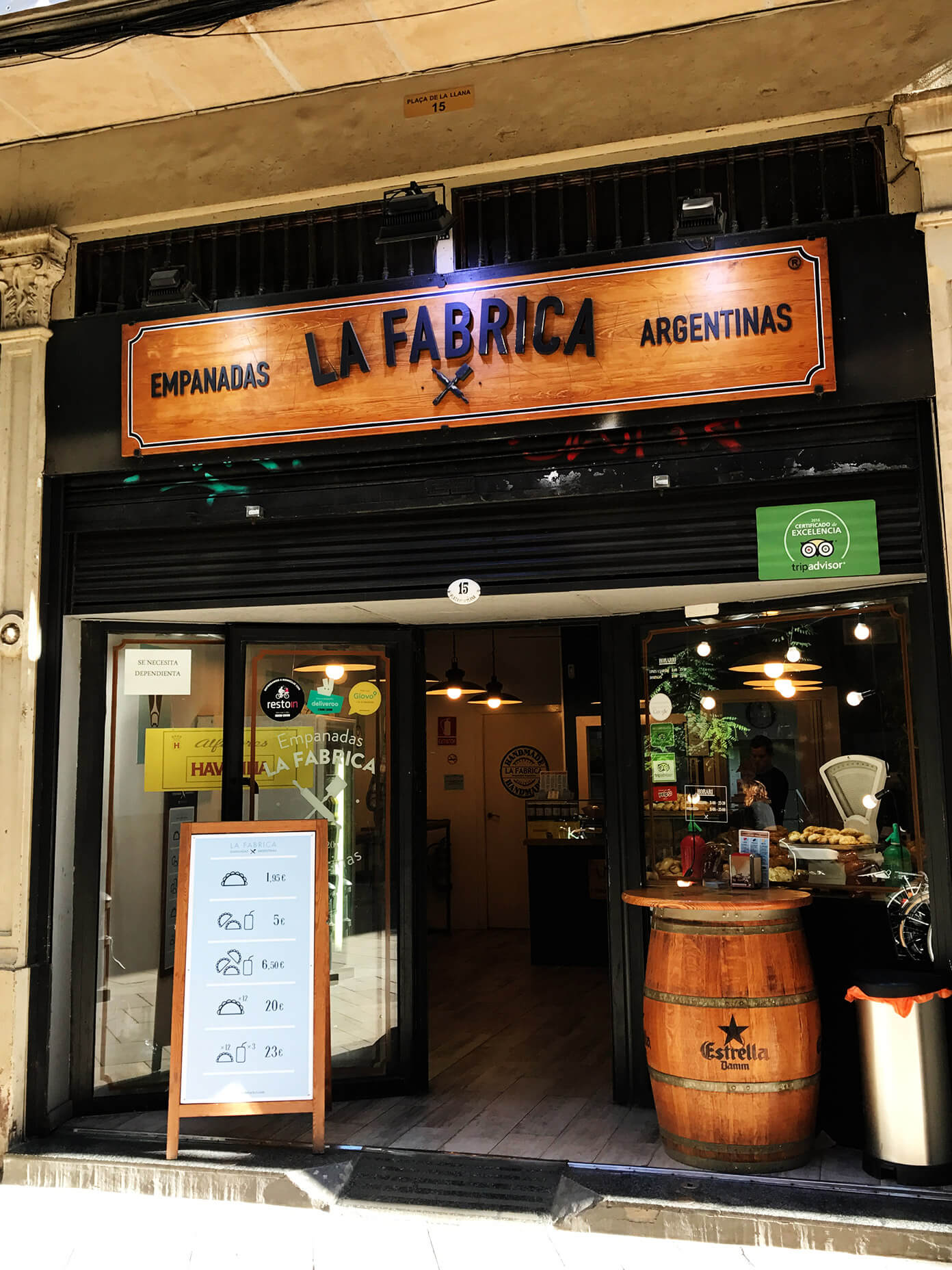 La Fabrica - cheap empanadas for lunch | Gimme Some Barcelona Travel Guide