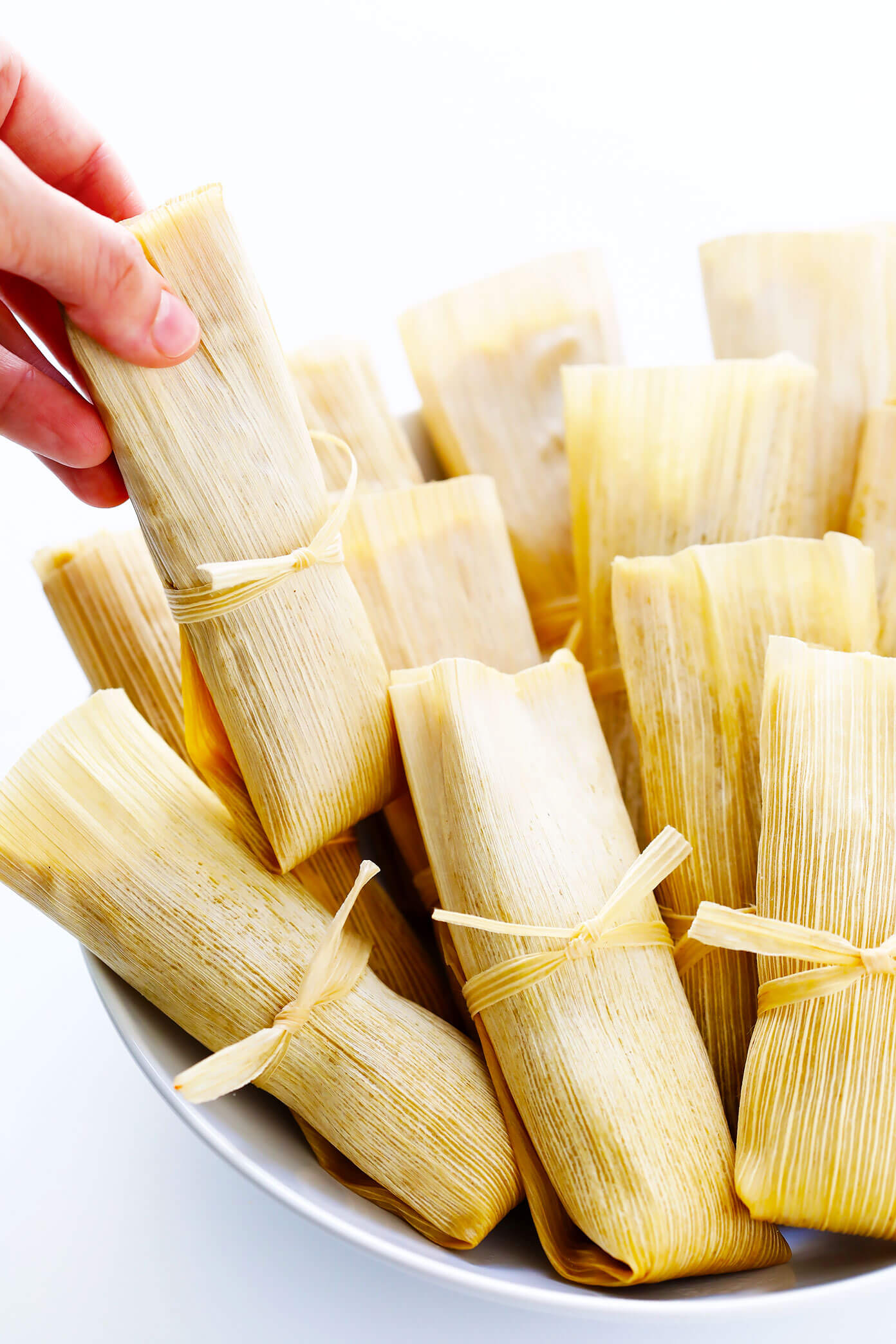 how to eat mexican tamales