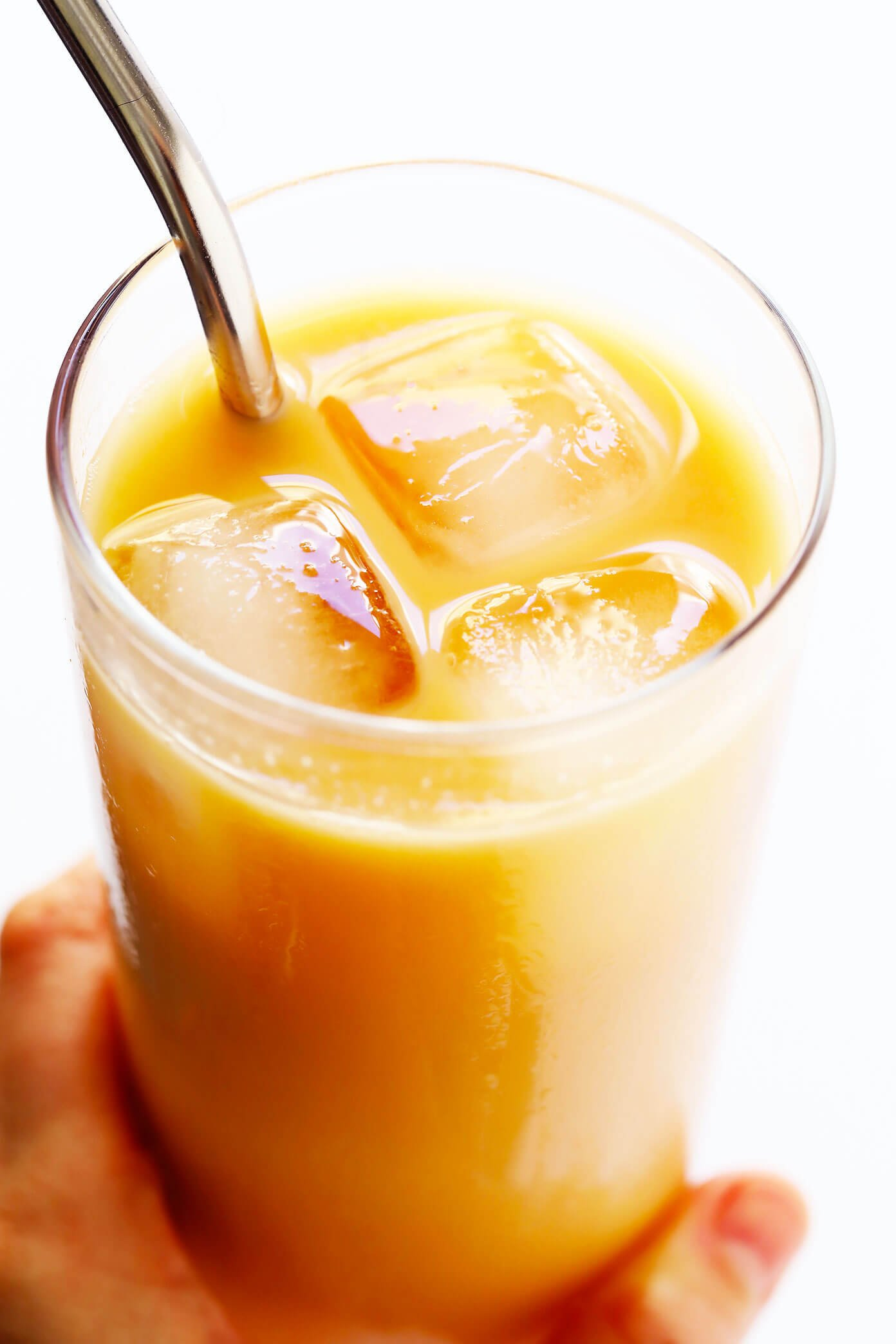 5-Minute Iced Rooibos Latte