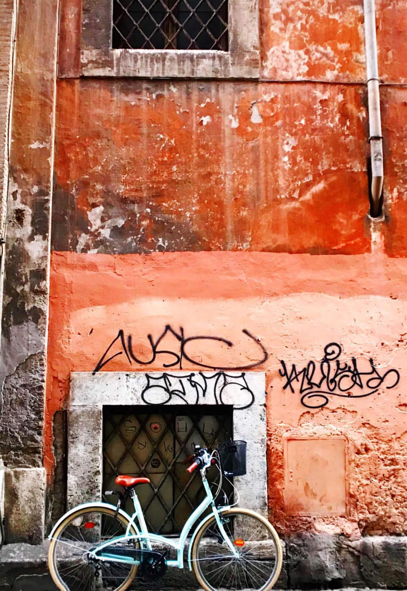 Bicycle in Trastevere in Rome
