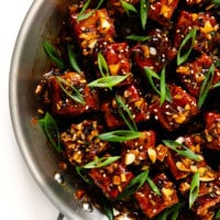 Magic Garlicky Tofu | Made with baked tofu tossed in the most delicious black pepper garlic sauce.