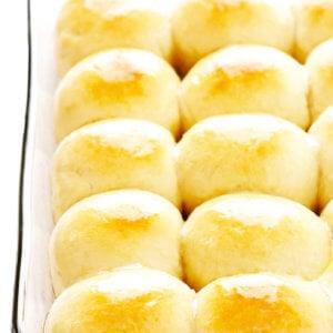 1-Hour Dinner Rolls in Baking Dish