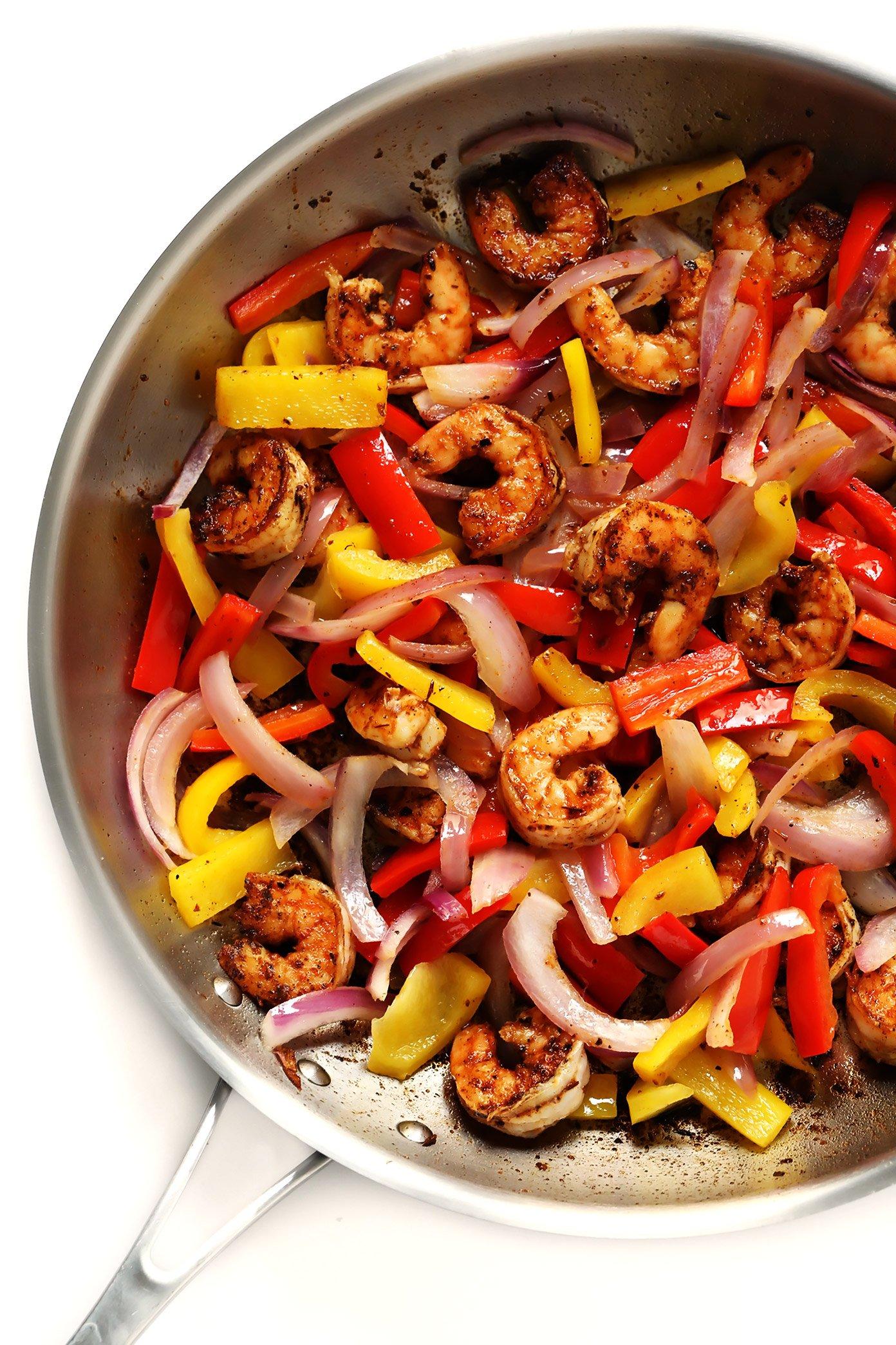 Cajun Shrimp, Bell Peppers and Red Onion | Cajun Shrimp Pasta Recipe