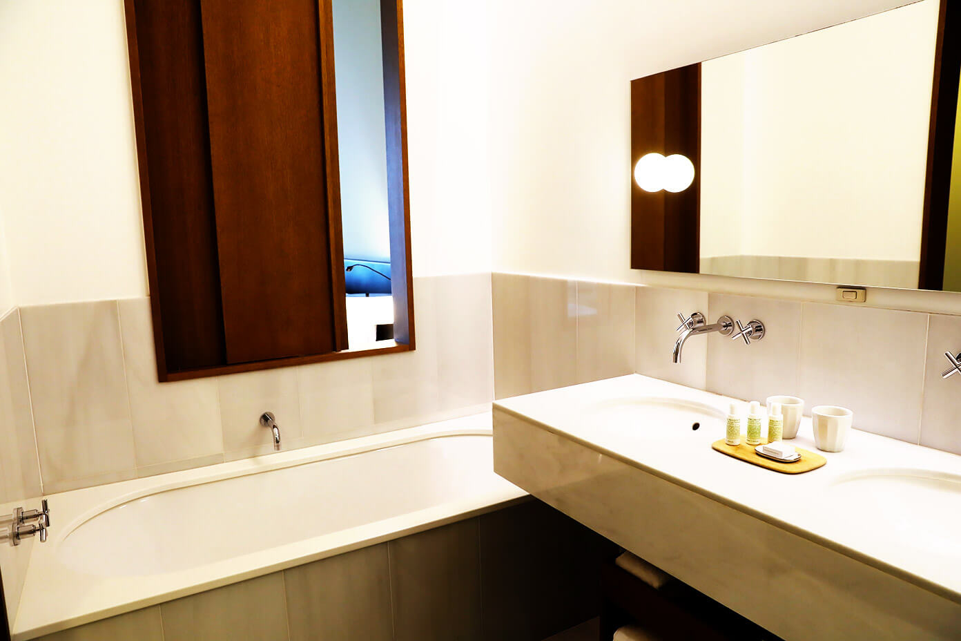Alma Hotel Barcelona Bathrooms