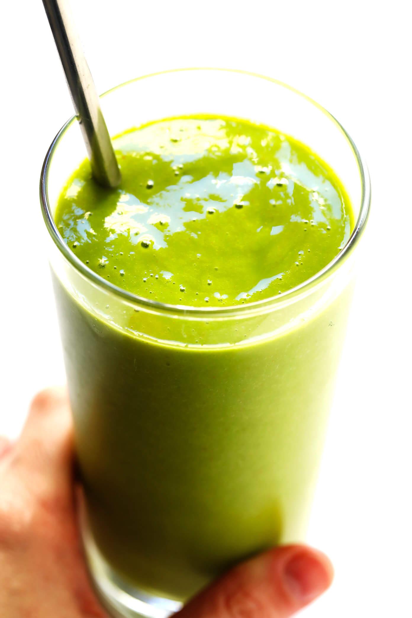 5 Ingredient Spicy Mango Green Smoothie