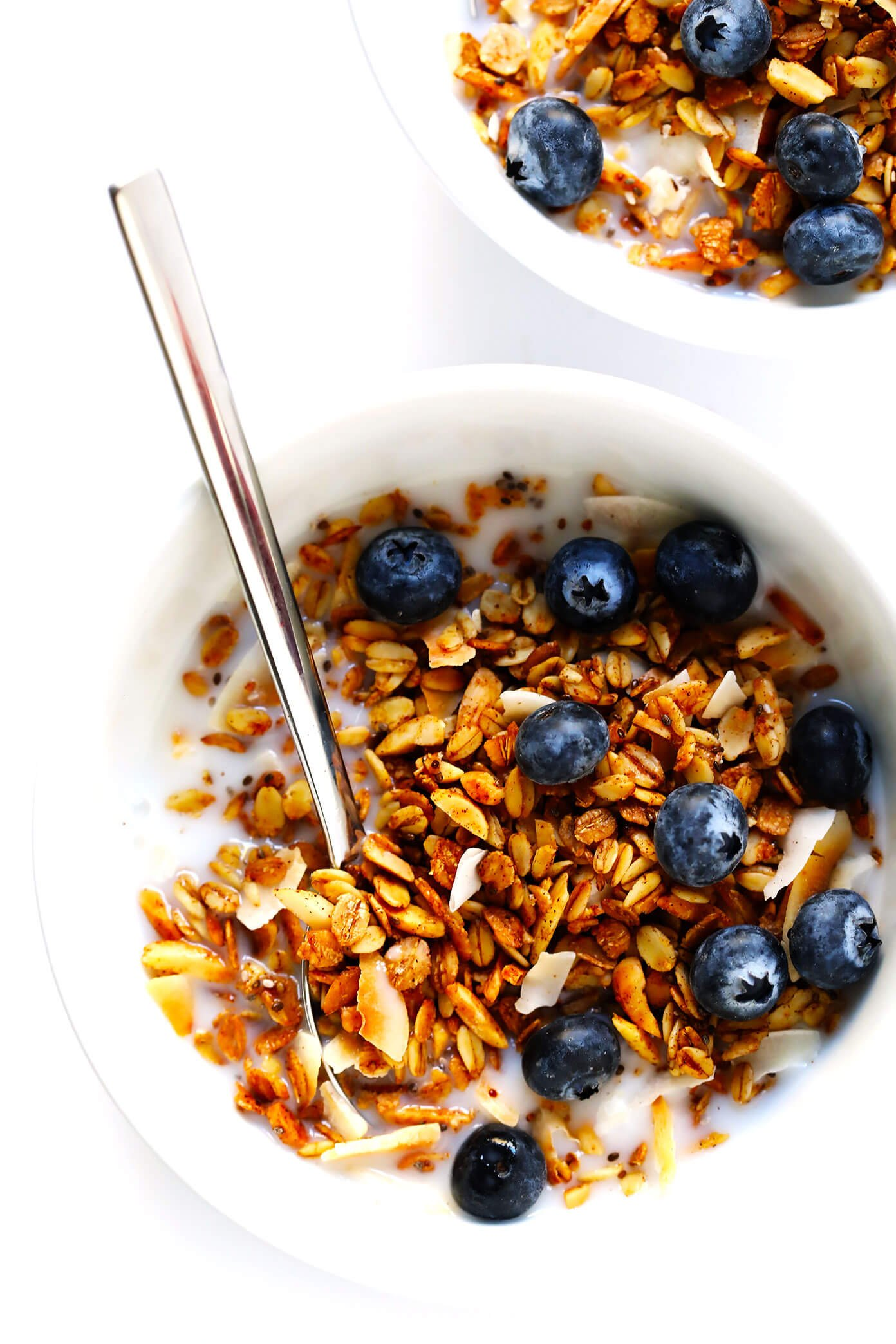 Healthy Granola Recipe with Almond Milk and Blueberries