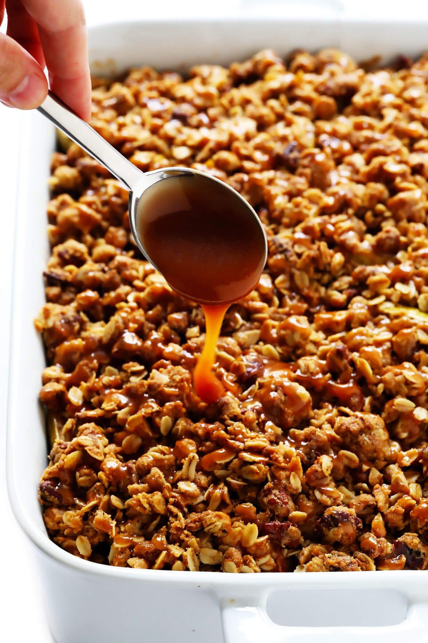 Easy Apple Crisp Recipe with Caramel Sauce