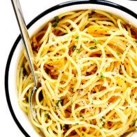 Spaghetti Aglio e Olio Recipe (Olive Oil and Garlic Sauce)