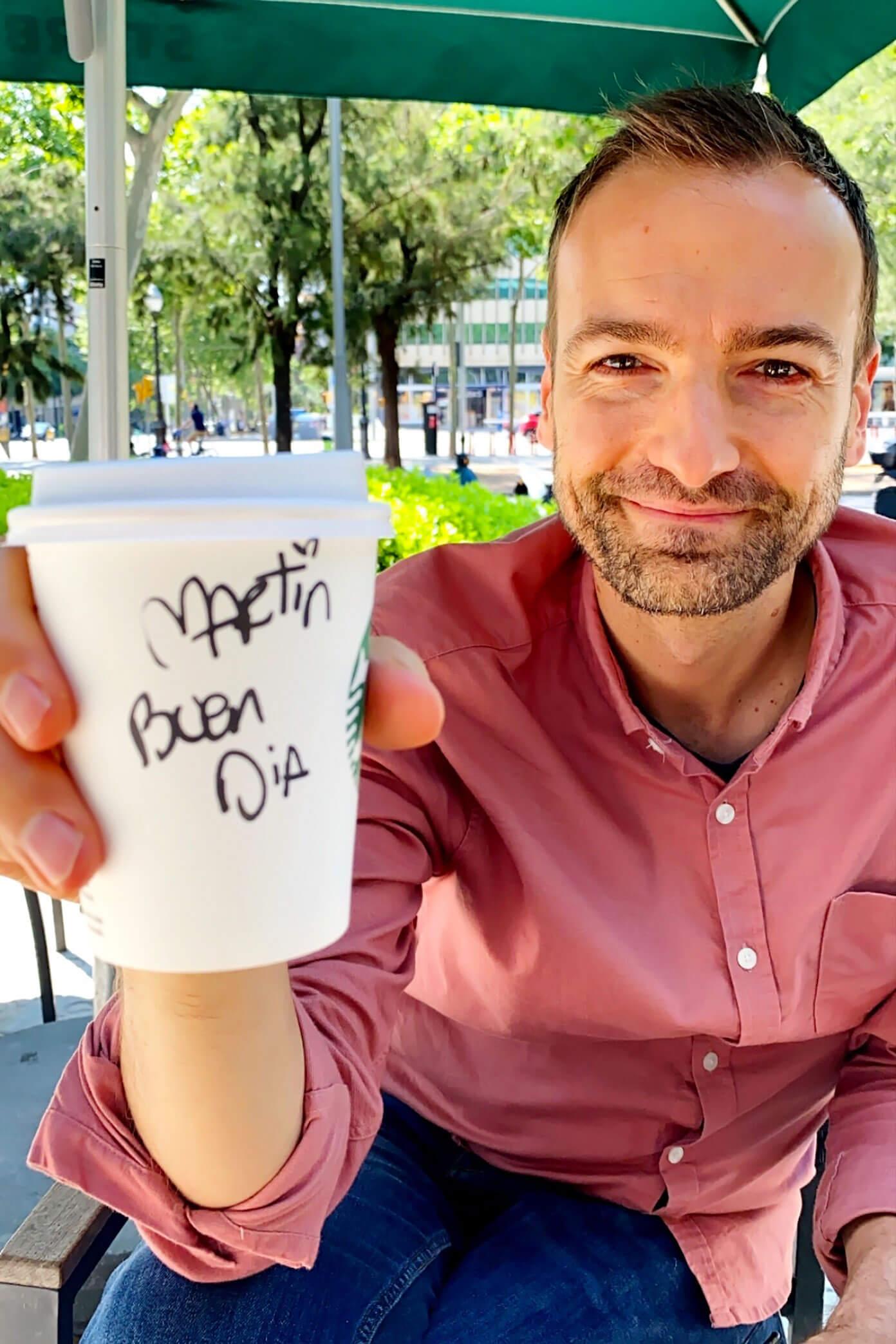 Dizer da caneca de Starbucks