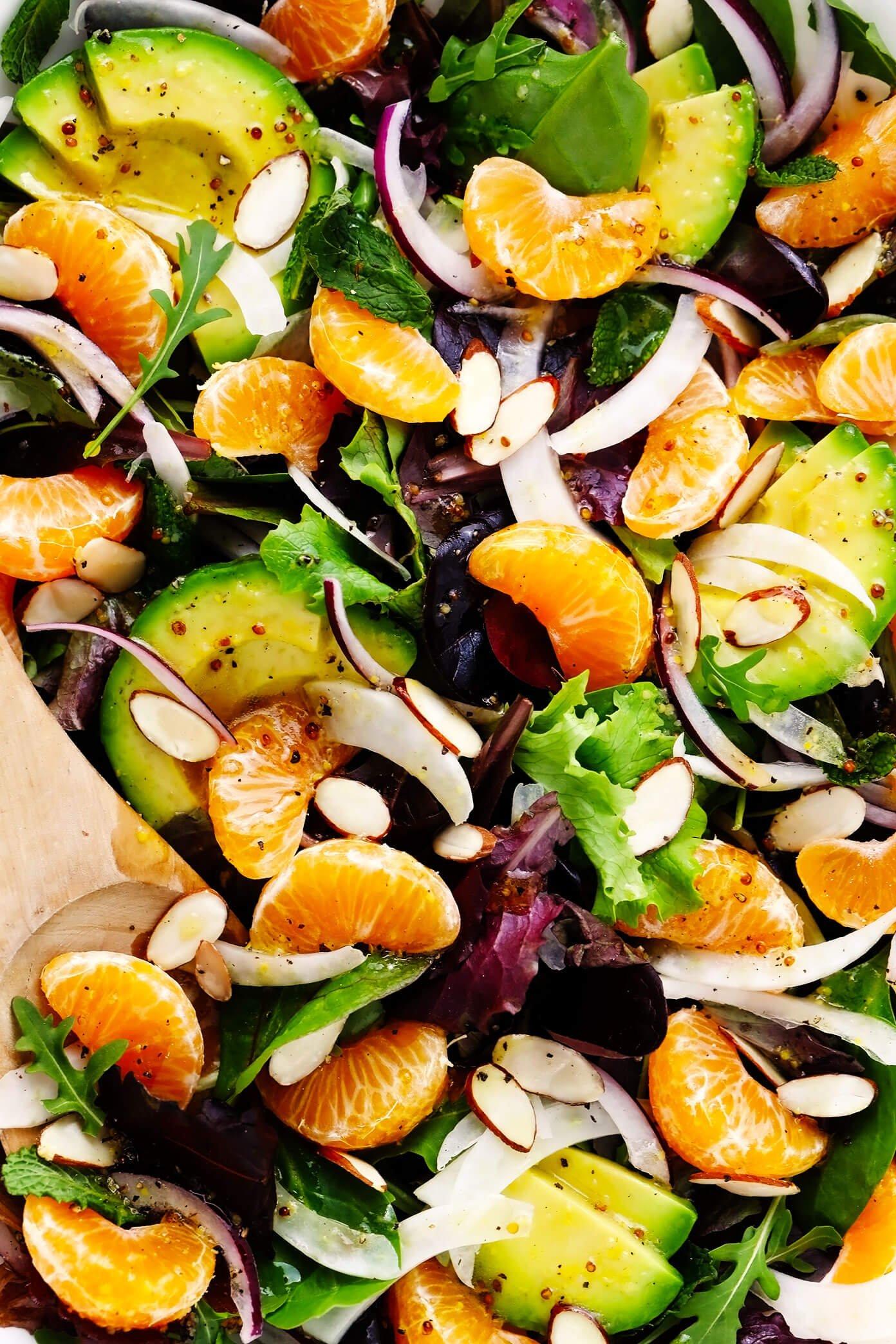 Close de salada de laranja clementina