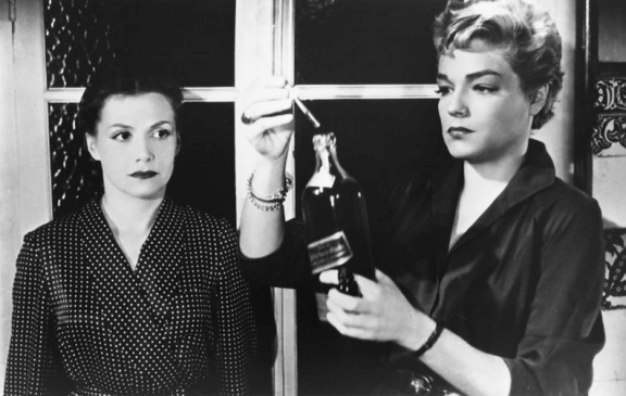 Véra Clouzot and Simone Signoret in Henri-Georges Clouzot's Diabolique