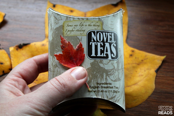 Novel Teas Gift Pouch | gimmesomereads.com
