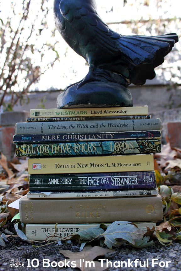 10 Books I'm Thankful For   gimmesomereads.com