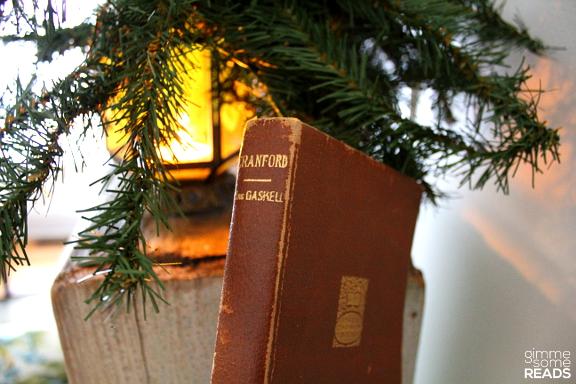 Cranford by Elizabeth Gaskell | gimmesomereads.com