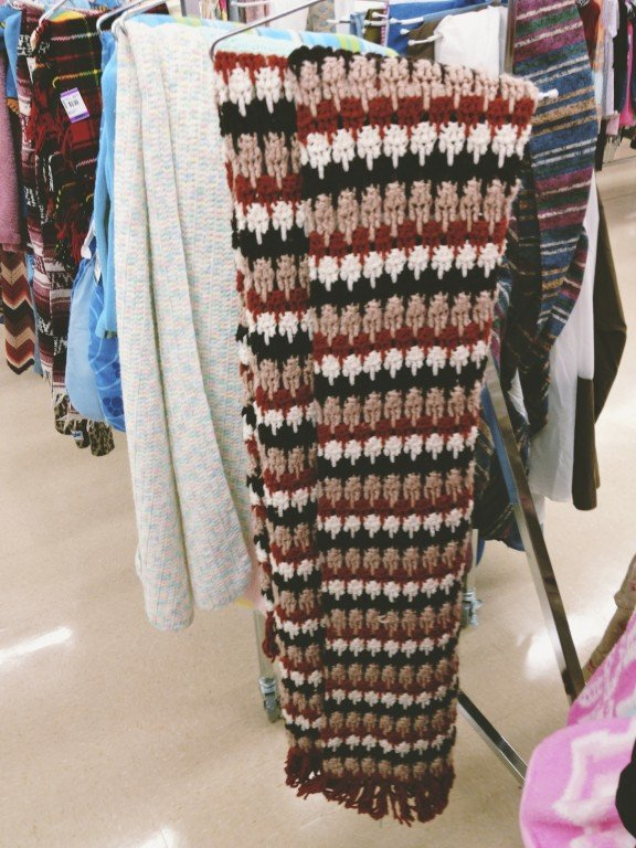 Style on a Budget: How to Shop at Thrift Stores   Gimmesomestyleblog.com