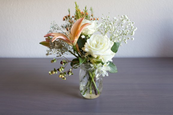 A Touch of Happiness {A flower maintenance how-to} | gimmesomestyleblog.com