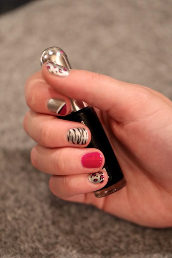 {DIY} Put a bow on it | www.gimmesomestyleblog.com #nails