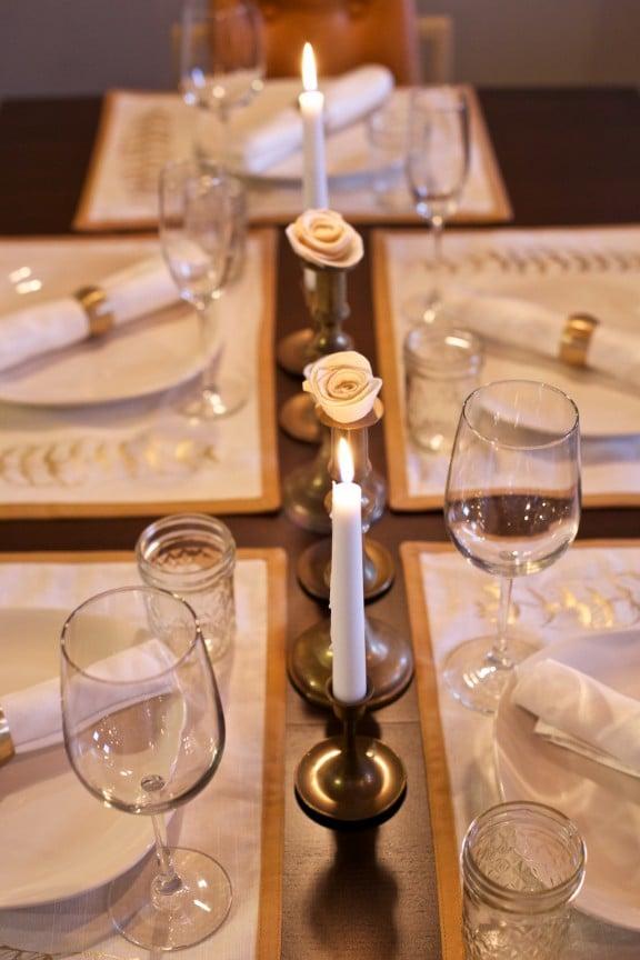 New Year's Table Setting | www.gimmesomestyleblog.com #newyears #tablesetting