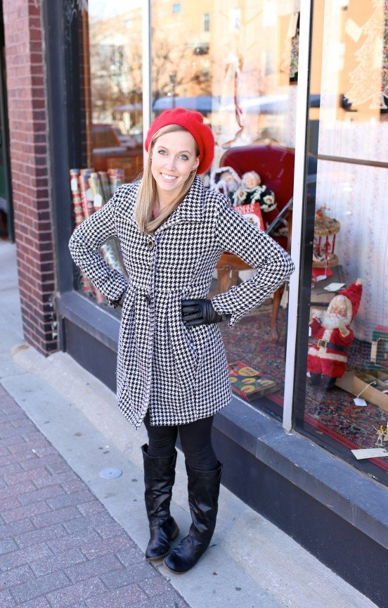 {Style Snapshot} A Pop of Red | www.gimmesomestyleblog.com #red #hat