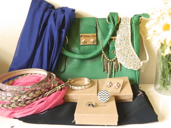 August Wrinkle Giveaway! {Over $200.00 Value!} www.gimmesomestyleblog.com #giveaway