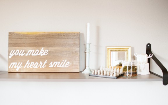 Here is a tutorial on how to make a wood letter art board for you own home | www.gimmesomestyleblog.com #silhouette