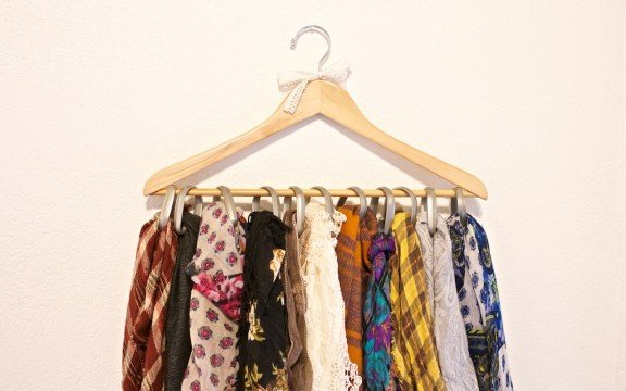 How to organize your scarves | www.gimmesomestyleblog.com