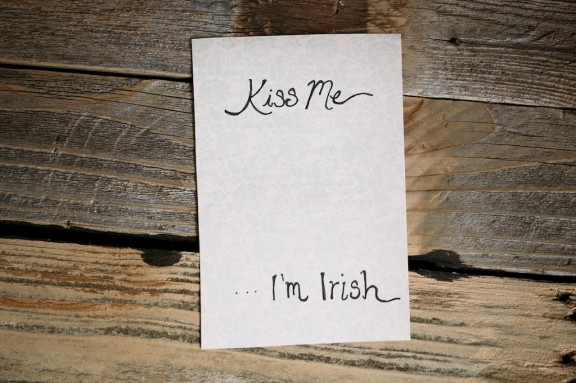 Spice up your St. Patty's day with this festive art! | www.gimmesomestyleblog.com #stpatricks #diy