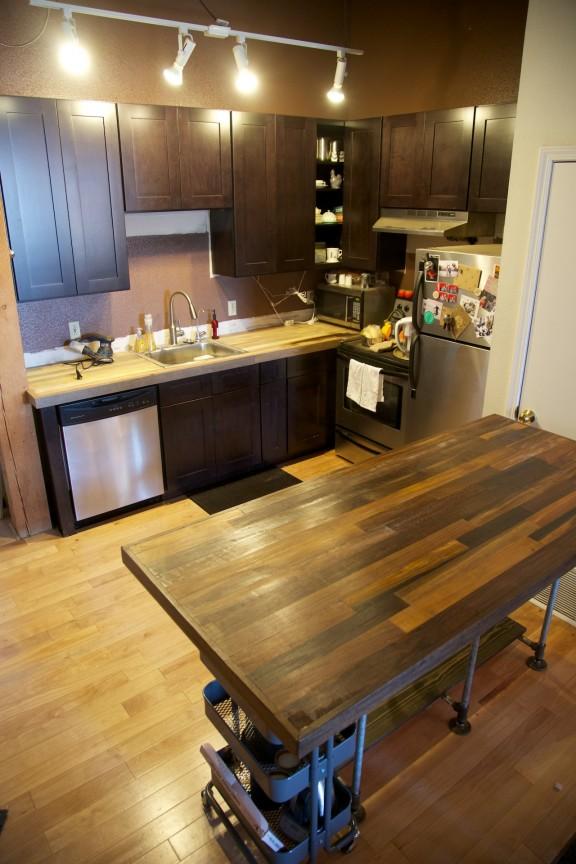 Kitchen Renovation Part 3--New Cabinets!   www.gimmesomestyleblog.com
