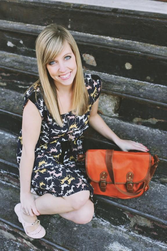 Horse Print Dress | www.gimmesomestyleblog.com #augustwrinkle
