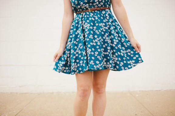 Floral dress with belt | www.gimmesomestyleblog.com #dress #whatiwore