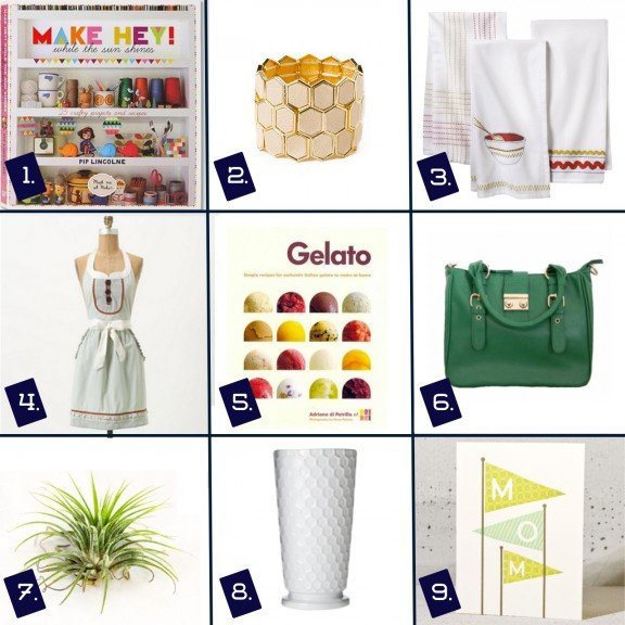 Mother's Day Gift Guide | www.gimmesomestyleblog.com