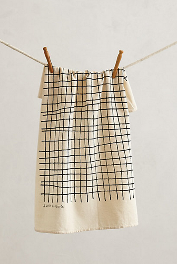 Anthropologie Checkered towel | www.gimmesomestyleblog.com #ff #fridayfavorites @home #decor