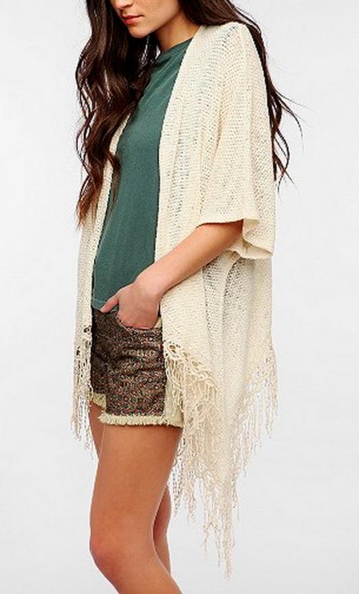 Urban Outfitters Cardigan | www.gimmesomestyleblog.com #fringe #wear #ff #fridayfavorites