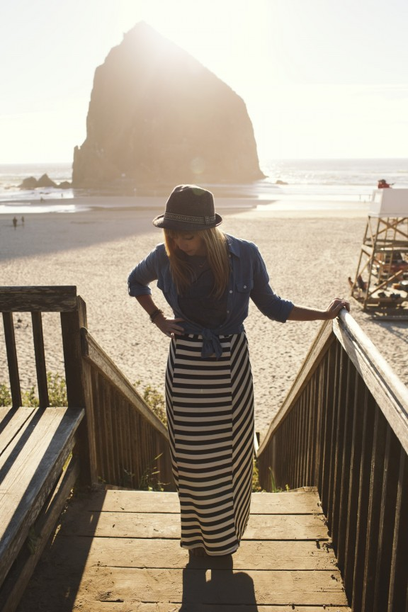 Maxi skirt on the beach | www.gimmesomestyleblog.com #outfit #whattowear