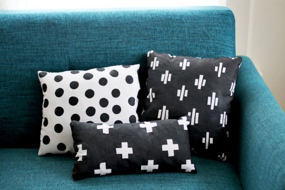 Friday Favorites: Nesting Hand Painted Pillows | www.gimmesomeoven.com/style via A Beautiful Mess