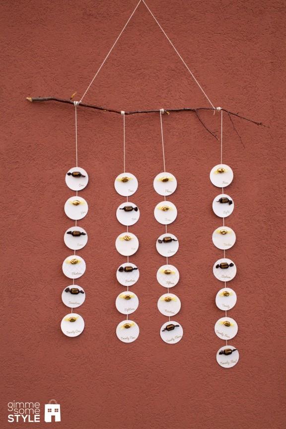 DIY Advent Calendar   www.gimmesomeoven.com/style #advent #DIY #christmas #calendar