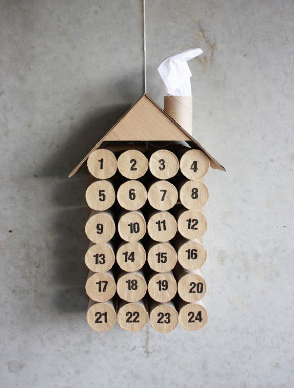 Toilet Paper Roll Advent Calendar via Morning Creativity | www.gimmesomeoven.com/style #advent #calendar #diy #christmas