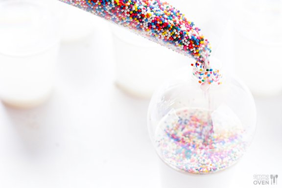 DIY Sprinkles Ornaments | gimmesomeoven.com/style #christmas #diy #ornament #sprinkles