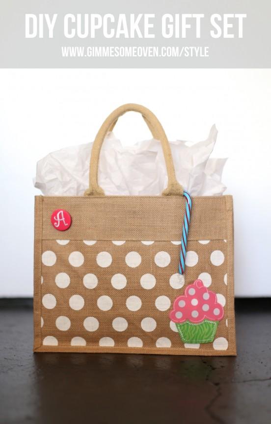 Make this adorable cupcake gift set! What a great Christmas gift!   www.gimmesomeoven.com/style #gift #christmas #kids #cupcake #bake #DIY