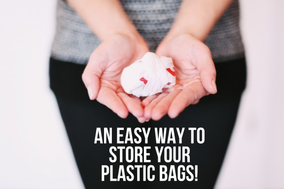 Use this simple method to store your plastic bags neatly and conveniently! | www.gimmesomeoven.com/style #organize #storage #diy #home