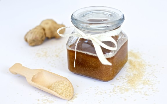 DIY Coconut Ginger Sugar Scub   www.gimmesomeoven.com/style